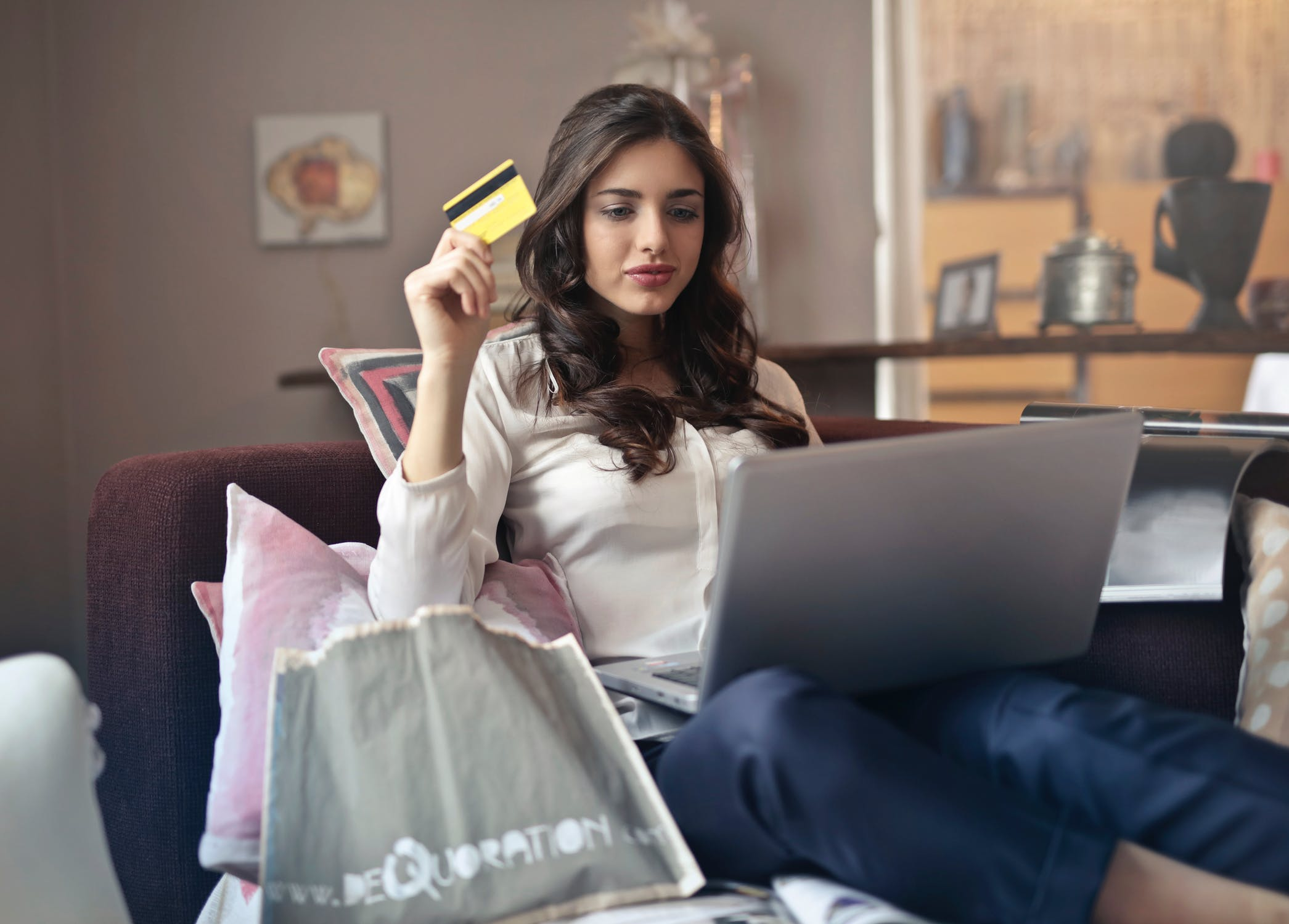 50 Amazing Online Shopping and Ecommerce Statistics